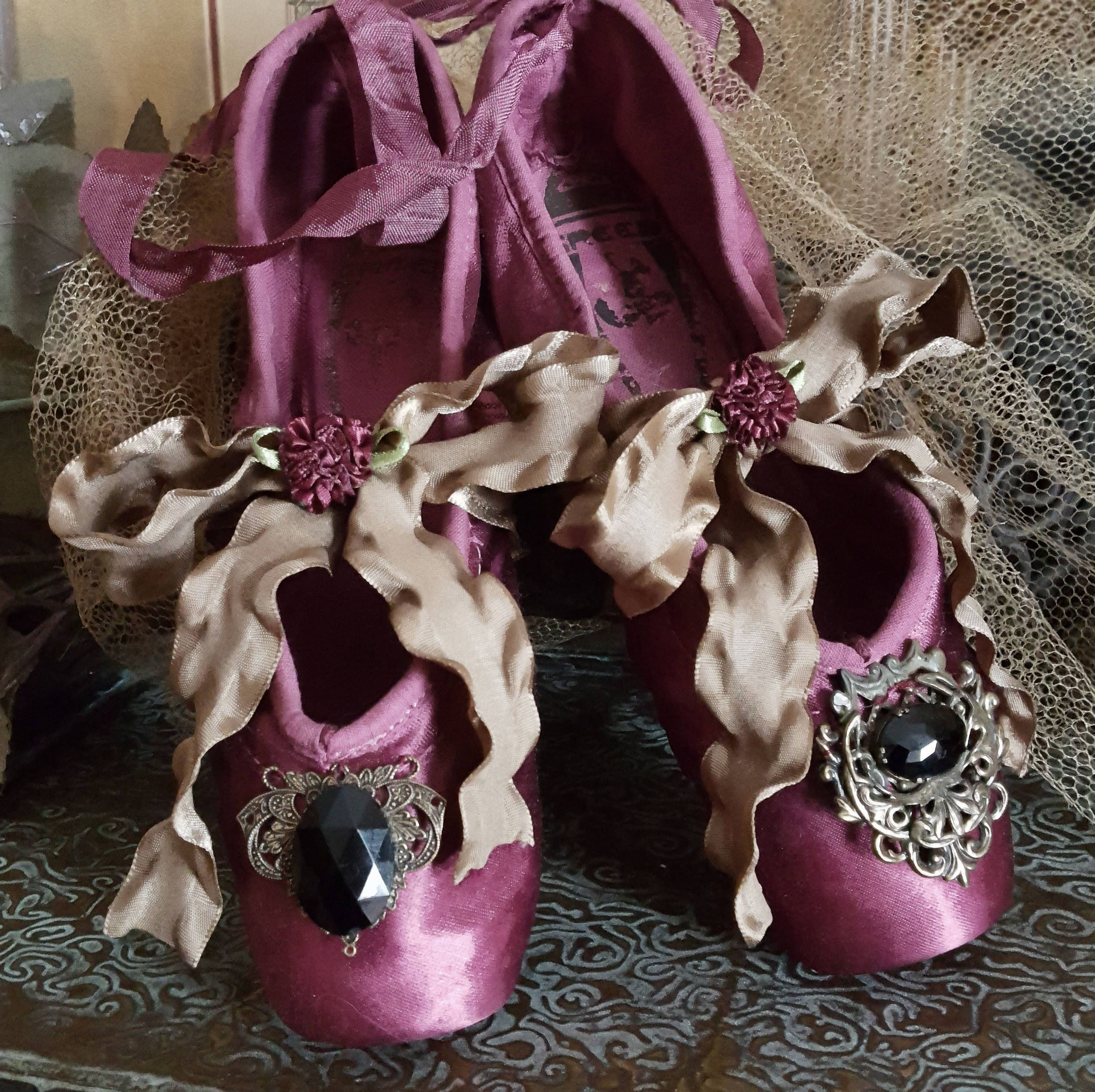 Vintage Ballet Pointe Shoes by Freed Variegated Deep Royal
