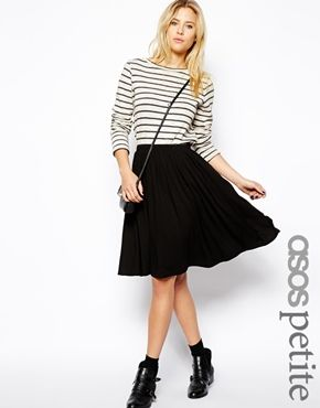 a99940ea3de7 ASOS PETITE - Jupe patineuse mi-longue | Getting Dressed with the ...