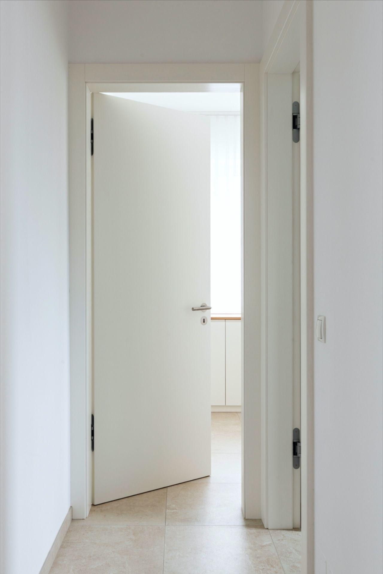 Massivholzture Weiss In 2020 Haus Weisse Turen Einfaches Haus
