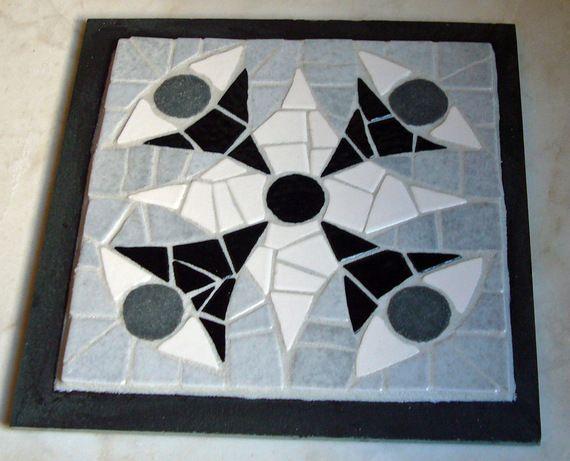Dessous de plat mosaique et ardoise tendance mosa que pinterest dessous de plat - Modele mosaique pour plateau ...
