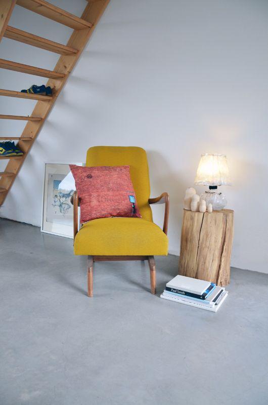 """Vintage chair / Wall pillow / """"Zaklamp"""" light"""