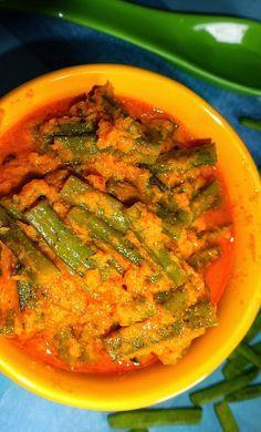 Veg Indian Good Food Recipes..: Gavar Aloo Coconut Curry (Cluster Beans Curry)