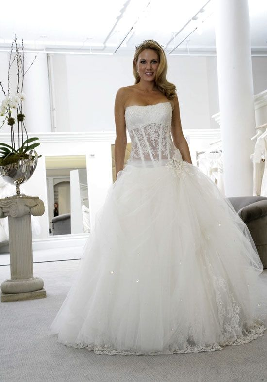 Pnina Tornai corset wedding dress... I want this if I get married ...