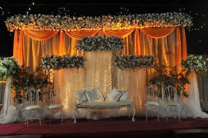 2014 latest islamic wedding decoration thrones settee for Latest wedding hall decoration