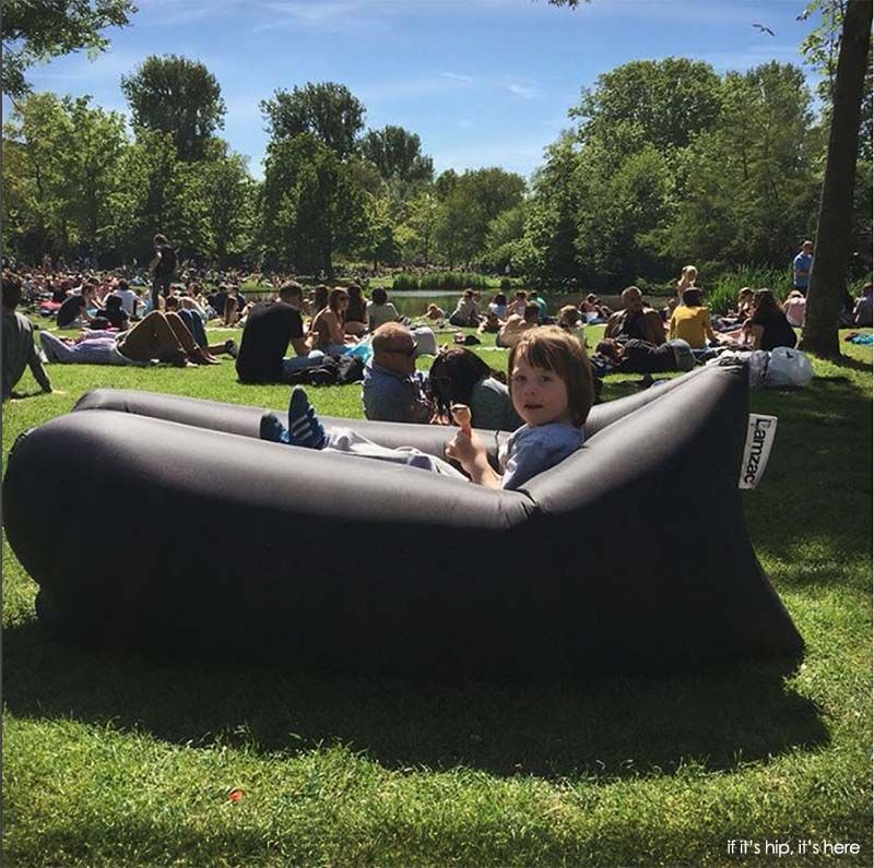 Lamzac Hangout Sofa Perfect For The Parks Music Festivals The Beach The Mountains And Even In The Snow For More Welcome Lamzac Hangout Fatboy Air Lounge