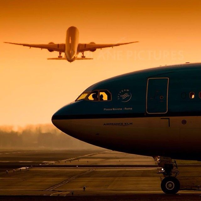 Mulpix Take Off Hold Position Klm Takeoff Runway Md Boeing