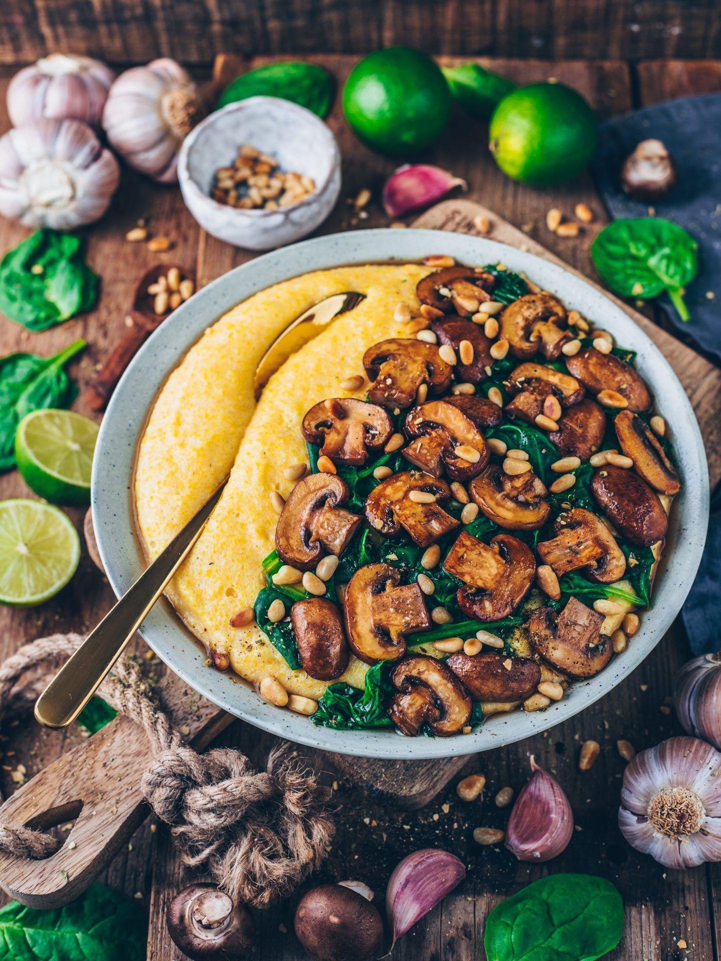 Cremige Vegane Polenta mit Pilzen und Spinat #easyrecipes