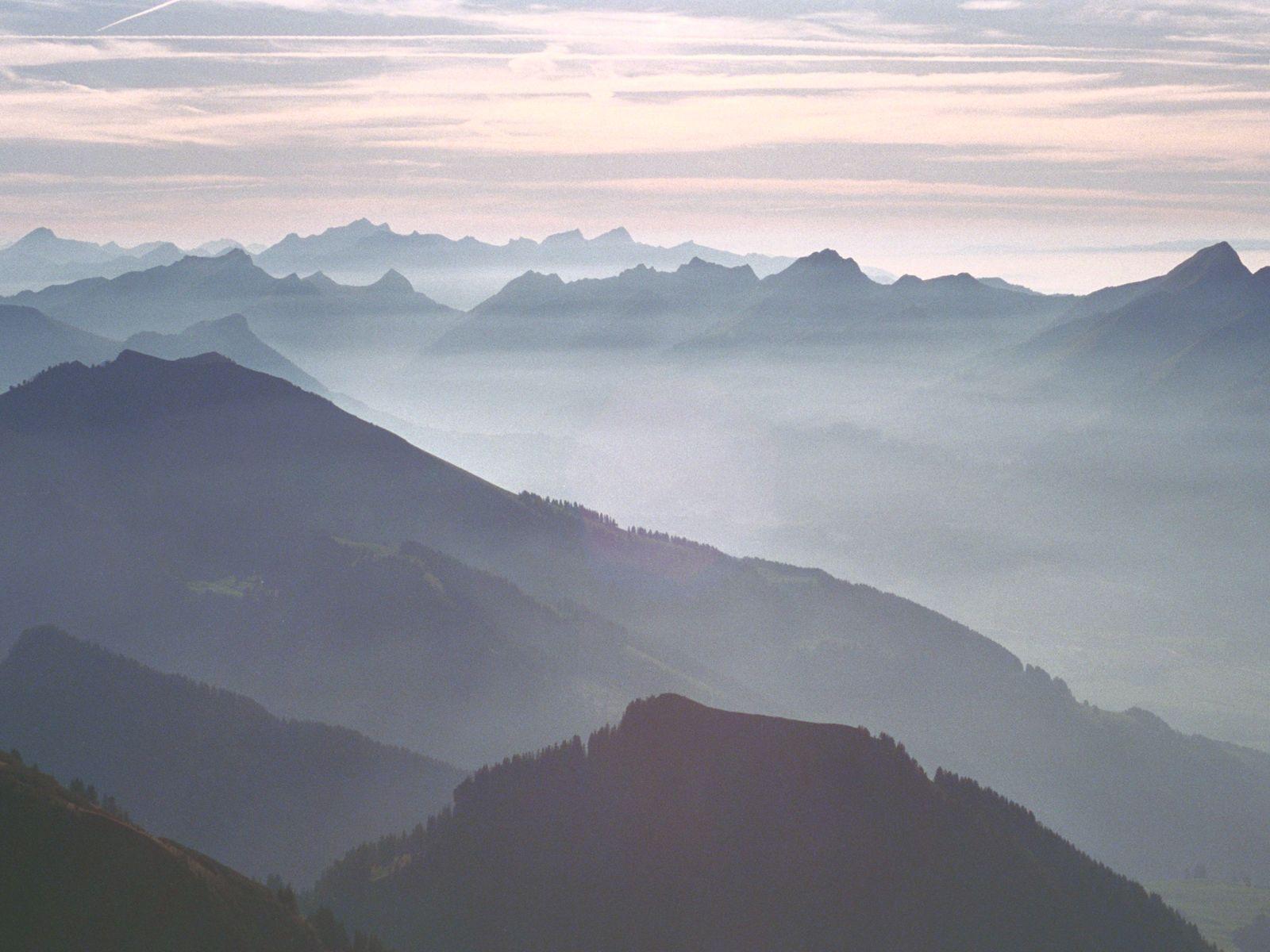 Fantastic Wallpaper Mountain Fog - bee600e35b82acb886a82763c613191b  Snapshot_42754.jpg