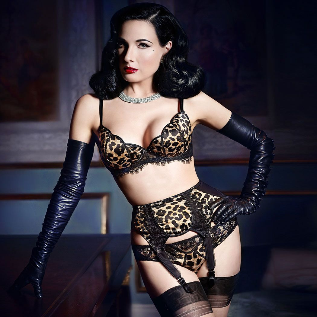 porte jarretelles dita von teese dita von and lingerie. Black Bedroom Furniture Sets. Home Design Ideas