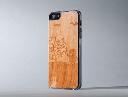 Mobili Bamboo ~ Carved little monster bamboo wood iphone 5 danimobile.com