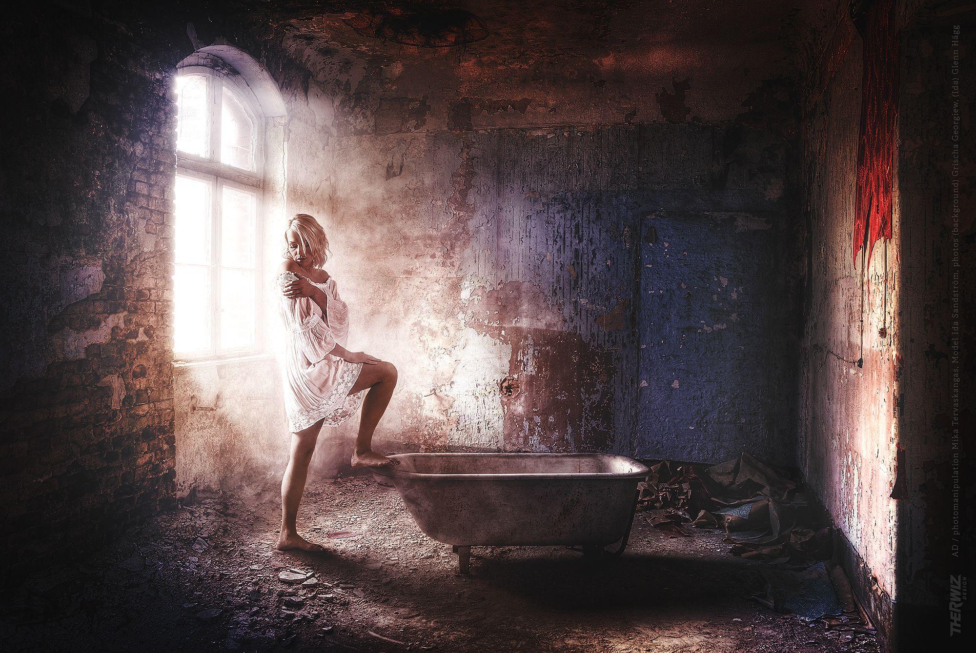 Ida Sandström model photo, lightning, bathroom, sensitive, woman, photo manipulation Mika Tervaskangas / Therwiz Design / Glenn Hägg. Kylpyhuone, nainen, mallikuvaus, malli, kuvamanipulaatio, kuvankäsittely, photoshop, kuva, ulkoasu Mika Tervaskangas / Therwiz Design. #Therwiz #MikaTervaskangas #TherwizDesign #layout #photo #photomanipulation #kylpyhuone #oldstyle #nainen #bathroom