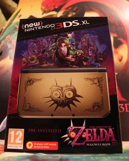Zelda Majora's Mask limited edition new 3DS console gallery - check it out!