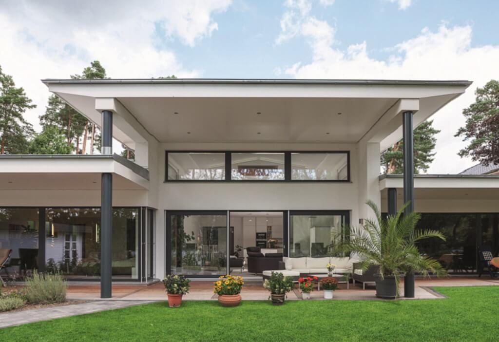 Ebenleben bungalow am see weberhaus http www - Fertighaus architektenhaus ...