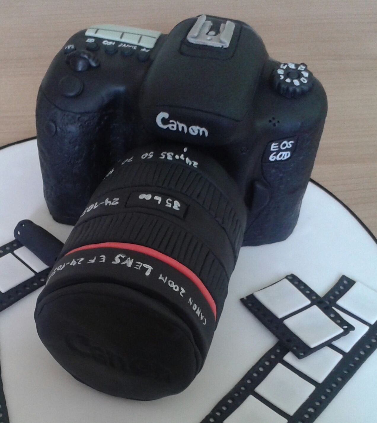 geburtstag erwachsene canon kamera camera cake kamera torte pinterest kuchen fondant. Black Bedroom Furniture Sets. Home Design Ideas