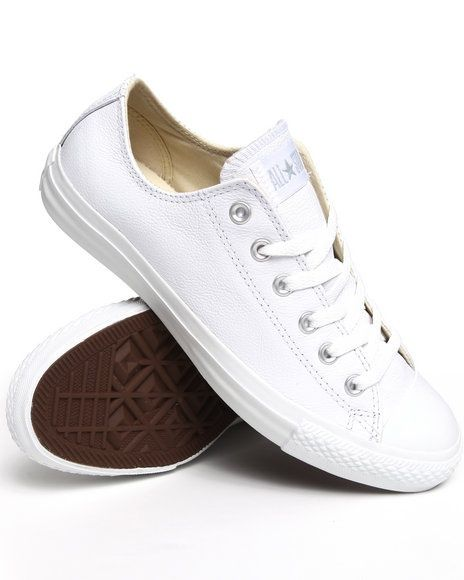 985ce445d2a2 white converse... because sometimes the skinny jean amp  boyfriend T is  sexier than a dolled up dress.