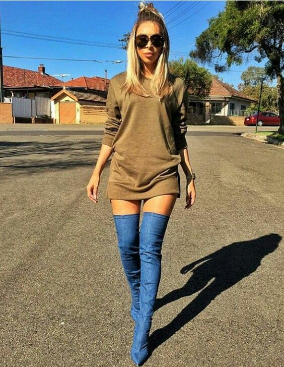 3f725a603936 Thigh high jean boots and a carmel colored sweatshirt makes this walk in to  fall very chic! Courteous of  sydneytheblogger