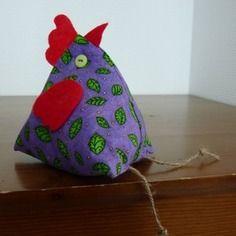 Poule en tissu violet