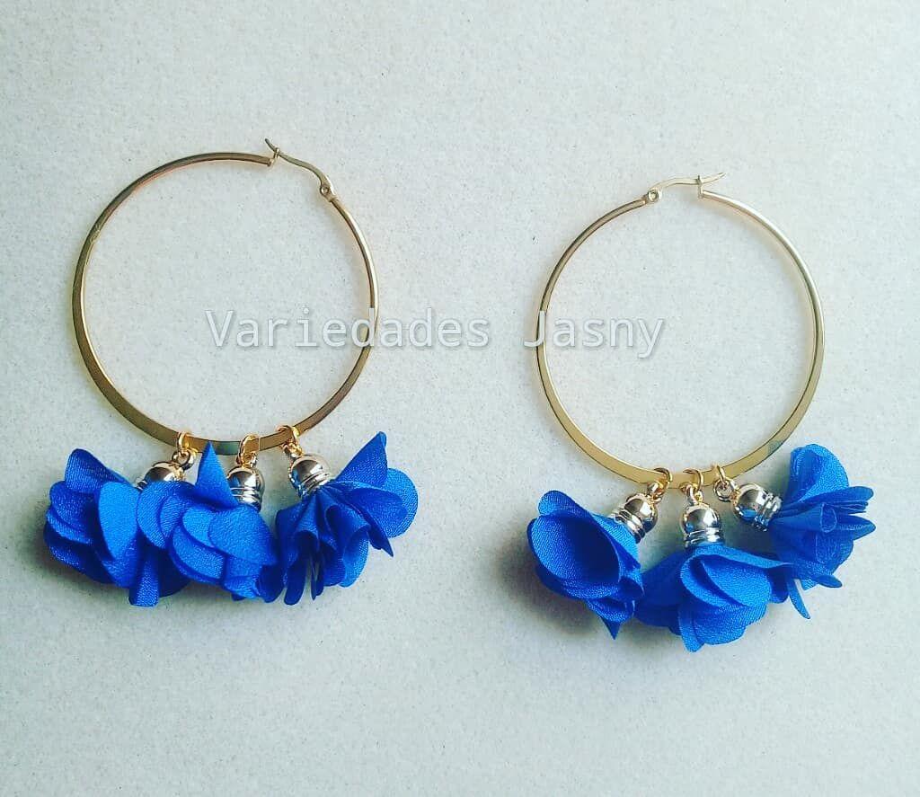6c77c0fdb686  aretes  borla  flor  azul  candongas  golfi  moda  belleza  accesorios   hechoamano  queregalar. Envíos a toda Colombia. Escriba a…