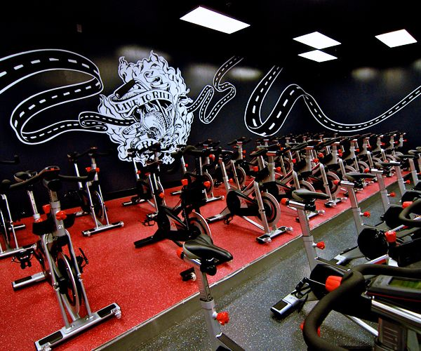 Crunch Fitness At Burbank Town Center In Burbank Ca Fitness Center Gym Gym Design Fitness Design