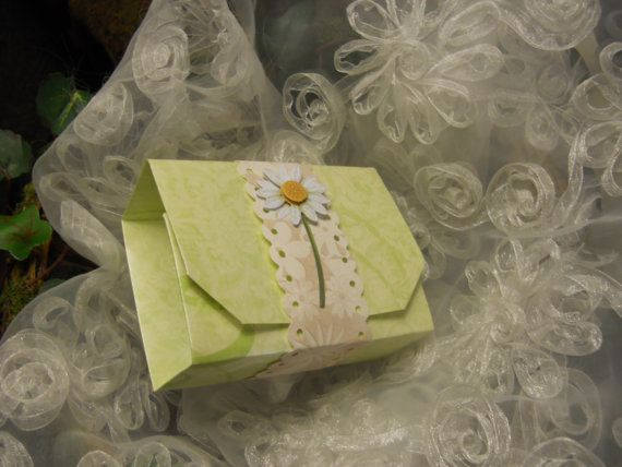 Gift Box with daisy. Trifold 4.5 x 3 by HappyBeeLipBalm on Etsy