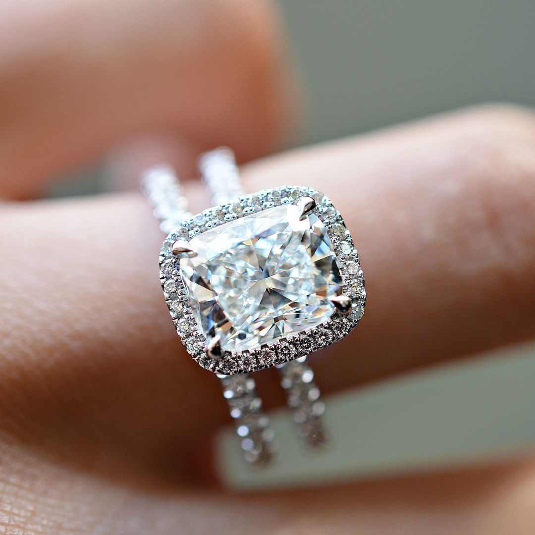 Fabulous Diamond Engagement Ring Solitaire Engagement Ring Round