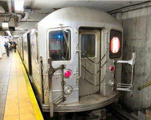 Metro eli subway New Yorkissa on nopea, käytännöllinen ja edullinen tapa liikkua. Lue tästä tästä parhaat vinkit.