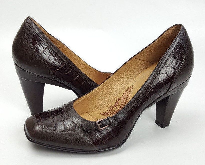 Sofft 7m Brown Leather And Crocodile Embossed Comfort Pumps 3 Inch
