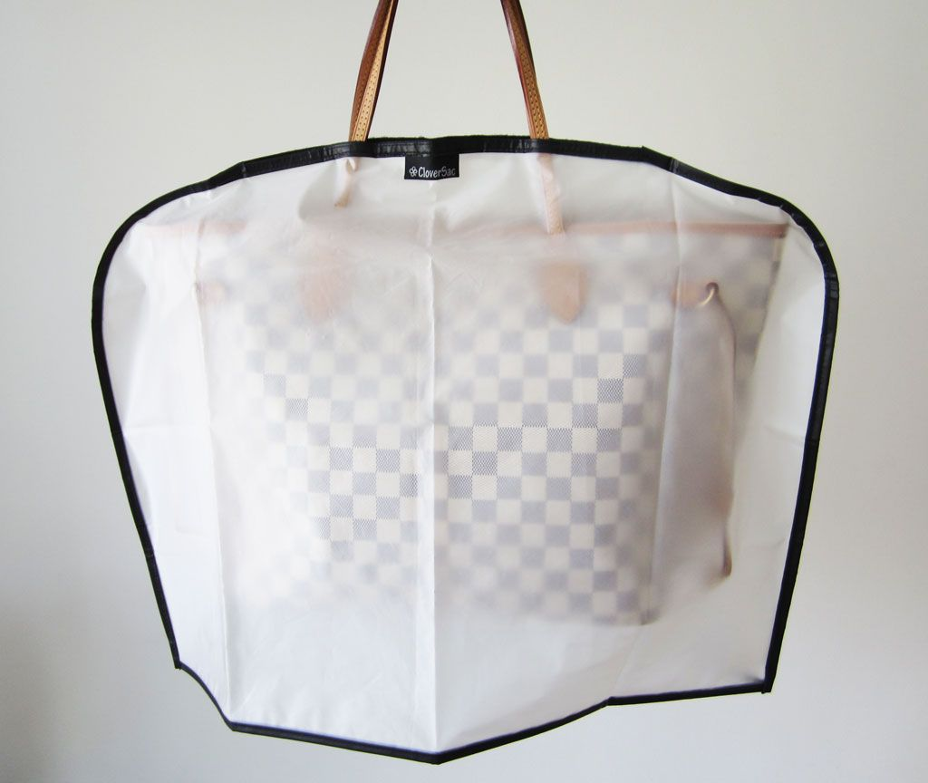 Rain cover for your purse. To protect your purse on a rainy day. 62fb360b5afc