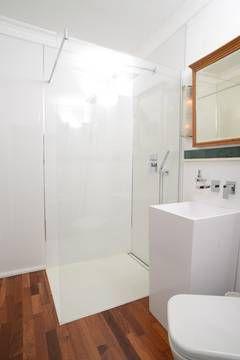 Kleines Bad, ganz groß - mit einer Dusche nach Maß | Badezimmern ...