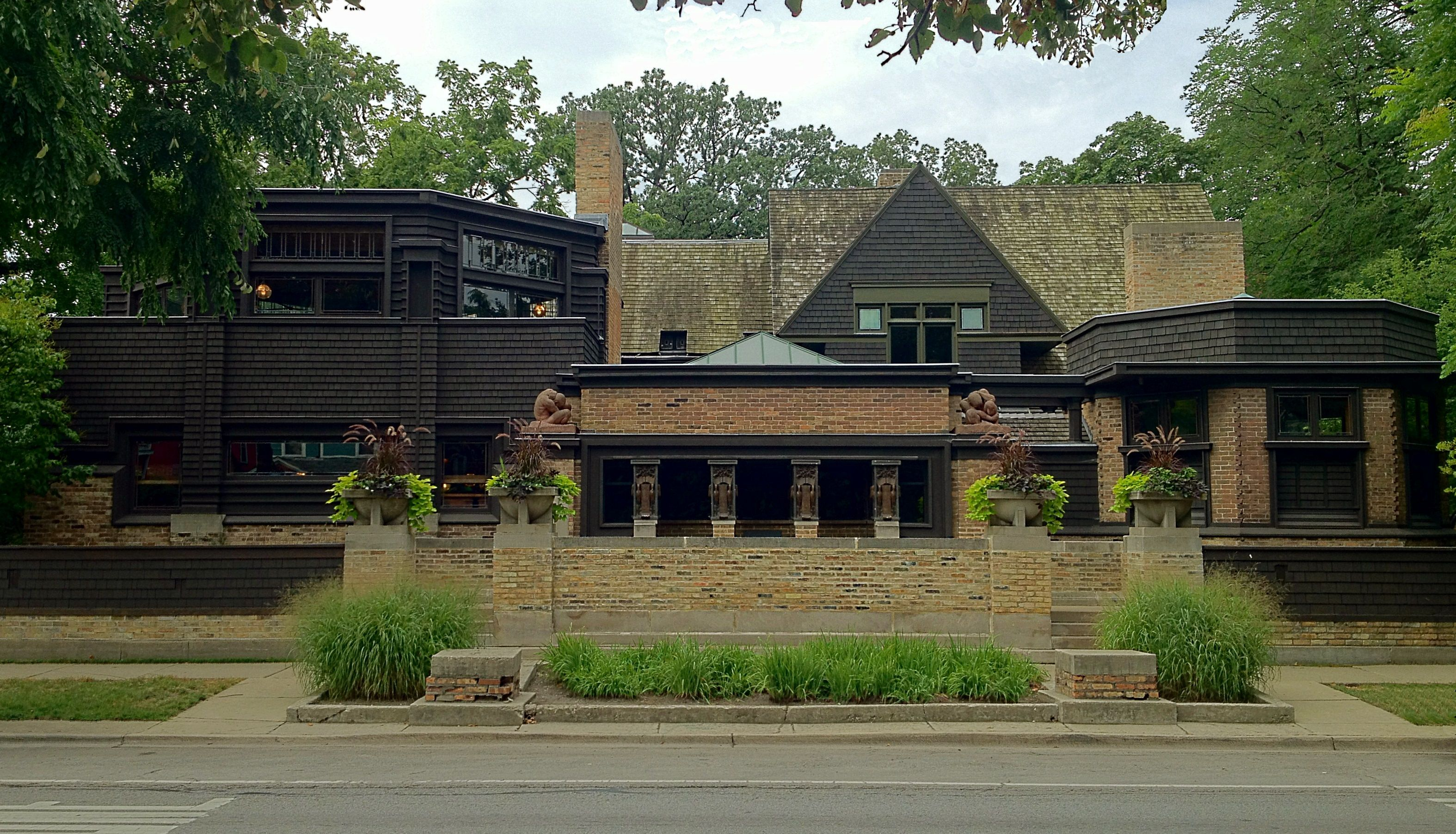 Frank lloyd wright home studio 1889 1898 951 chicago for Frank lloyd wright piani per la casa