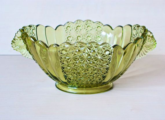 Vintage LARGE Fenton Daisy and Button Shell Glass by TheWildWorld, $24.99
