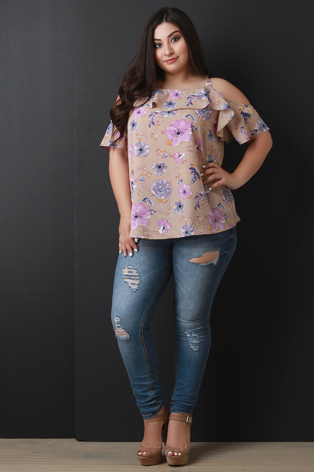 018ae498411dd2 This plus size top features floral print on texture fabrication