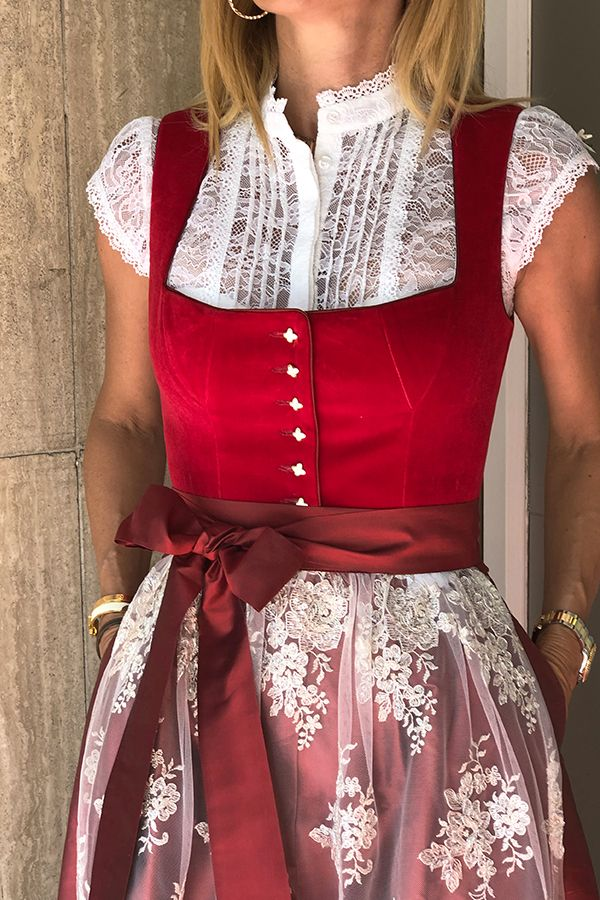 Photo of Dirndl Mariella i rødt – Dirndl for Oktoberfest – HW 19-kolleksjonen