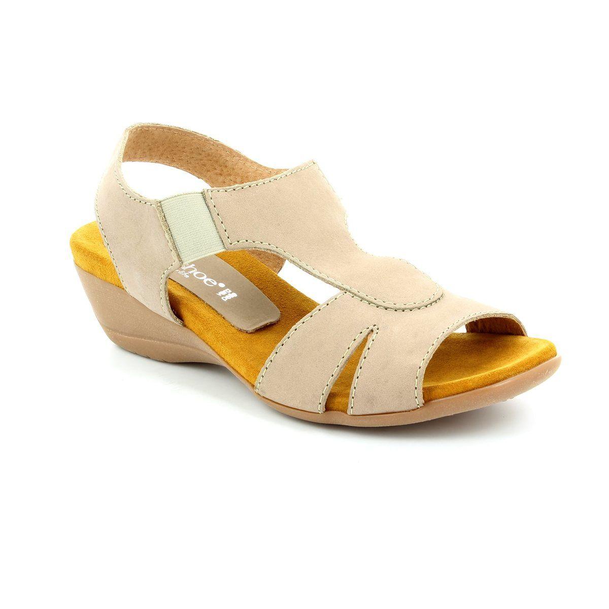 Pin by Sare Hux on Relaxshoe Slapp av sko, Sandaler sommer  Relax shoes, Sandals summer