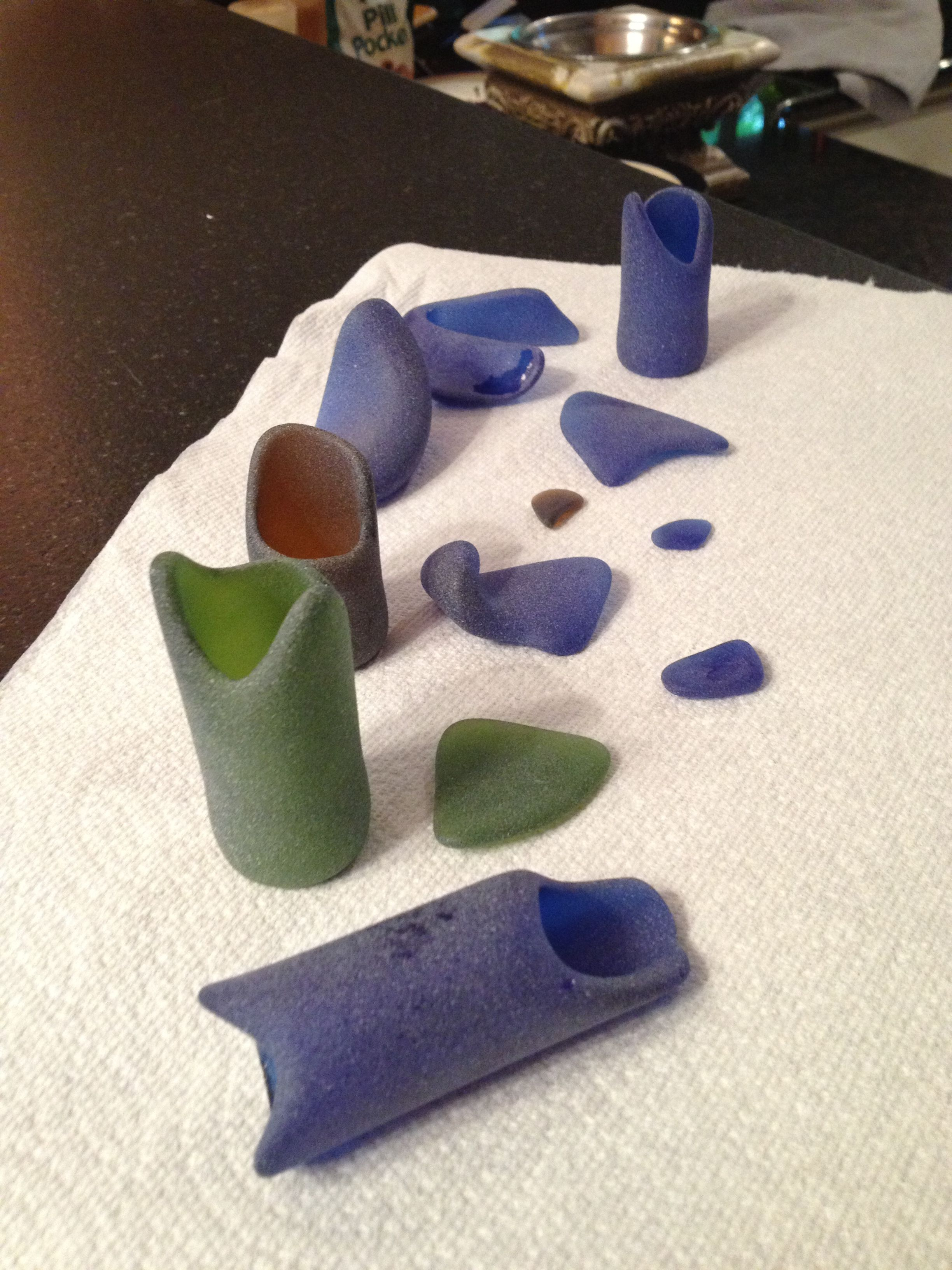 Got A Rock Tumbler Ed Some Wine Bottles Empty Of Course And Tumbled Love The Effect