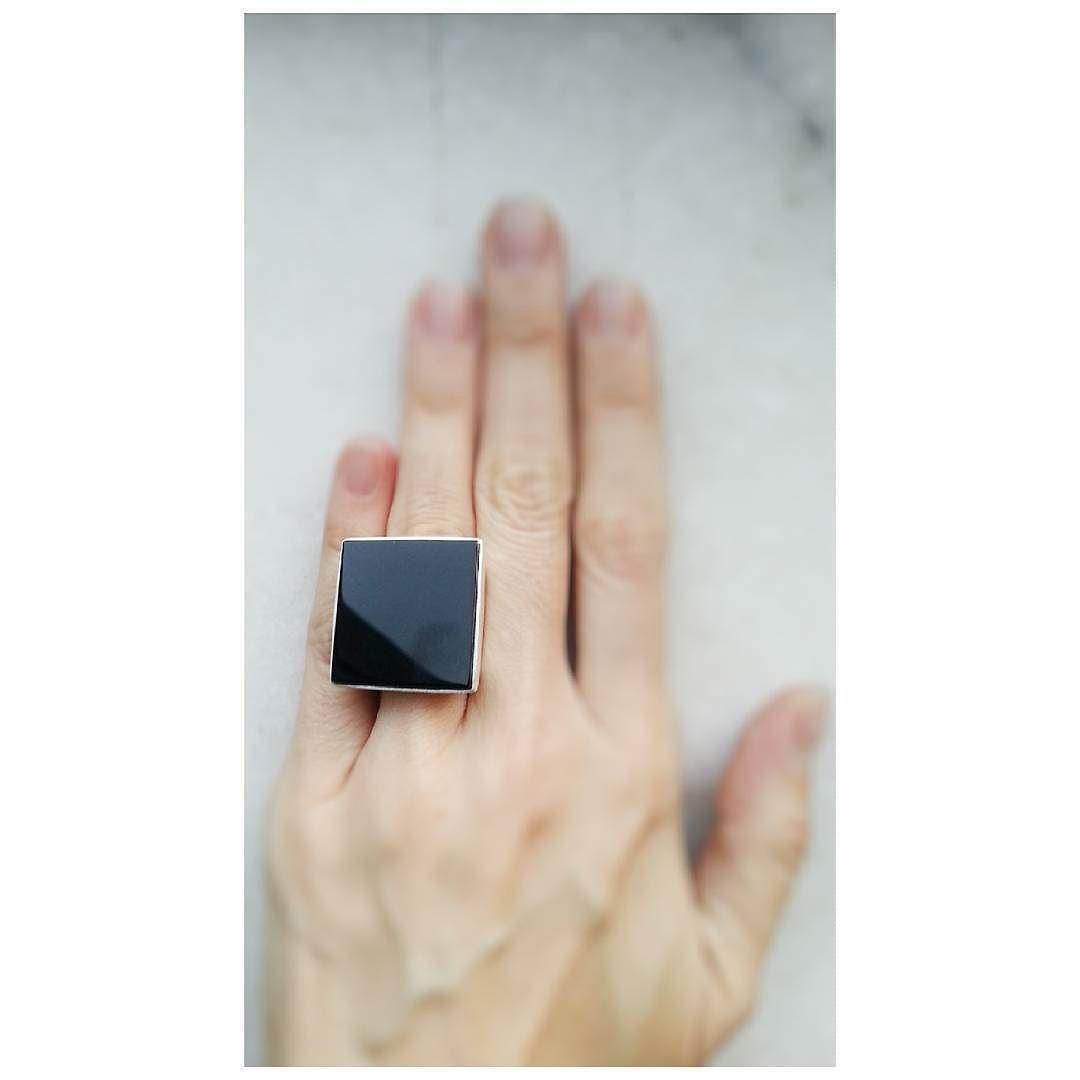 Clássico Copella: anel quadrado ônix  #anel #joias #design