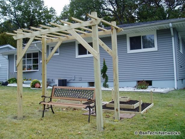 Diy Grape Arbor Plans Here Is An Inexpensive Diy Arbor Also