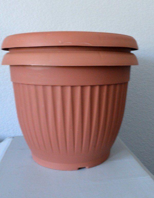 Update Those Plastic Dollar Planters Plastic Flower Pots 400 x 300