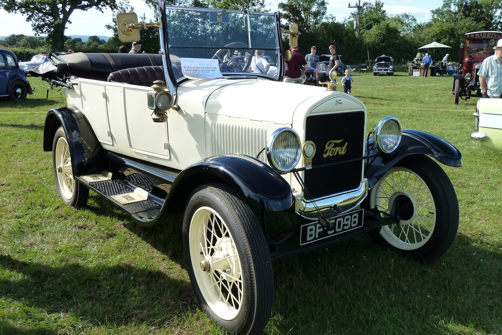 1927 Ford Model T 2 9l 4 Cylinder 20hp Engine Ford Models Classic Cars Antique Cars