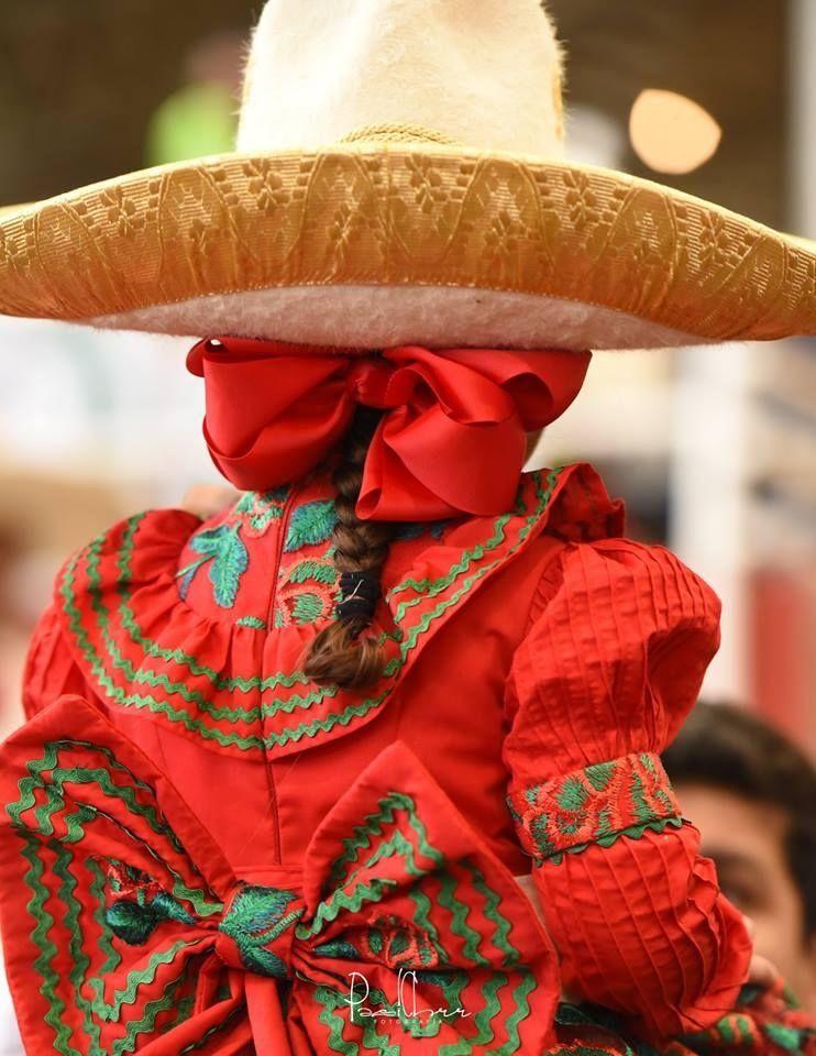 Escaramuza En 2019 Vestidos Mexicanos Para Niña Vestidos