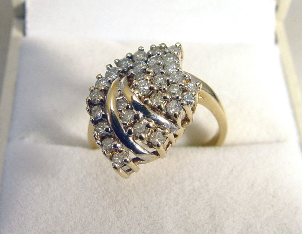10K Yellow Gold 30 Diamond 0.75TDW Cluster Ring
