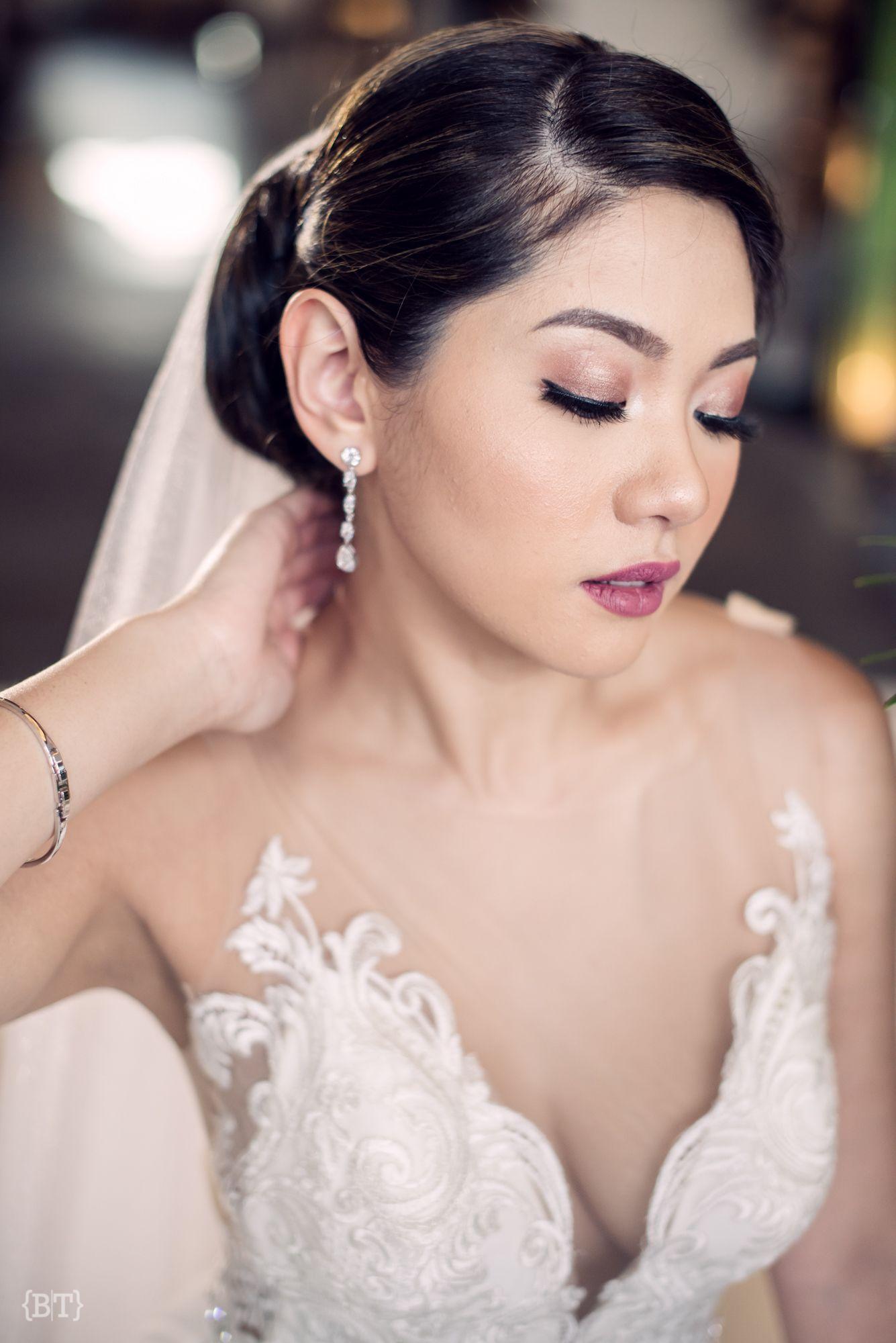 Benjie Tiongco Photography Fresh Bridal Hair And Makeup Joan Quizon Weddingdetails Weddinghairst Classy Wedding Wedding Trends Bridal Hair And Makeup