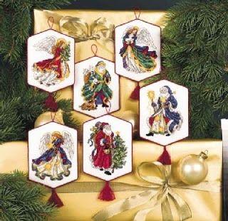 Feliz Natal: VÁRIOS PAIS NATAL E ANJOS