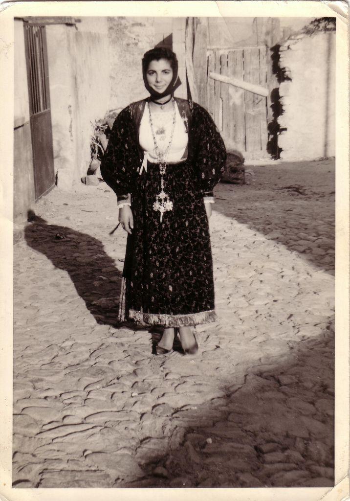 Sardegna 1968 - Costume di Torpè