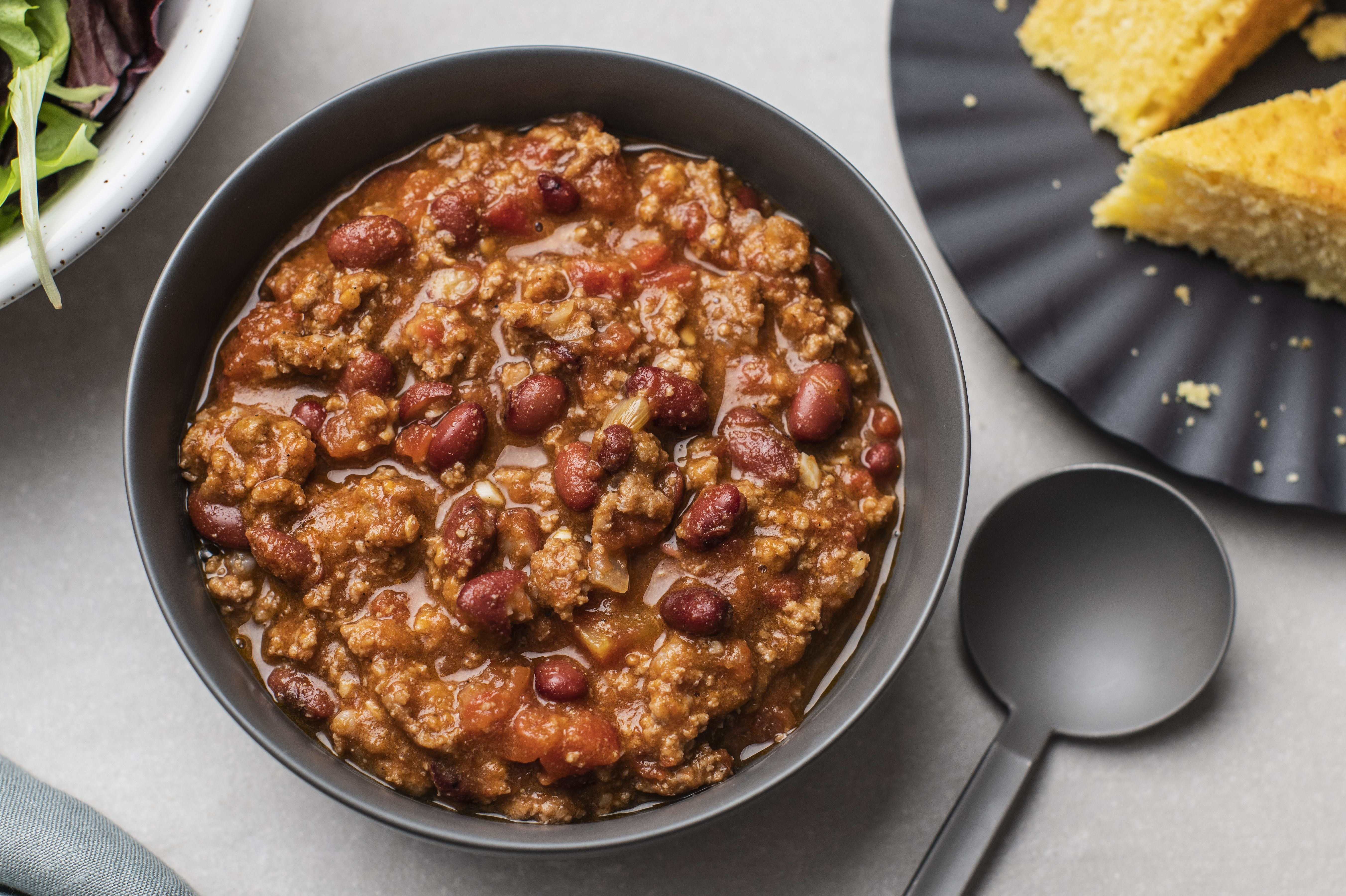 This Easy Ground Beef Chili Is A Snap To Prepare And You Probably Already Have All Of The Ingredient In 2020 Ground Beef Recipes Easy Stovetop Chili Best Chili Recipe