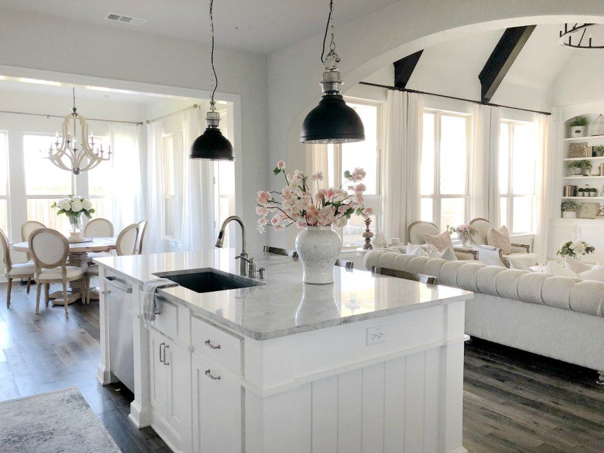 Sw Repose Gray On Walls And Sw Pure White Cabinets White Kitchen Decor Kitchen Design Modern White Gray And White Kitchen