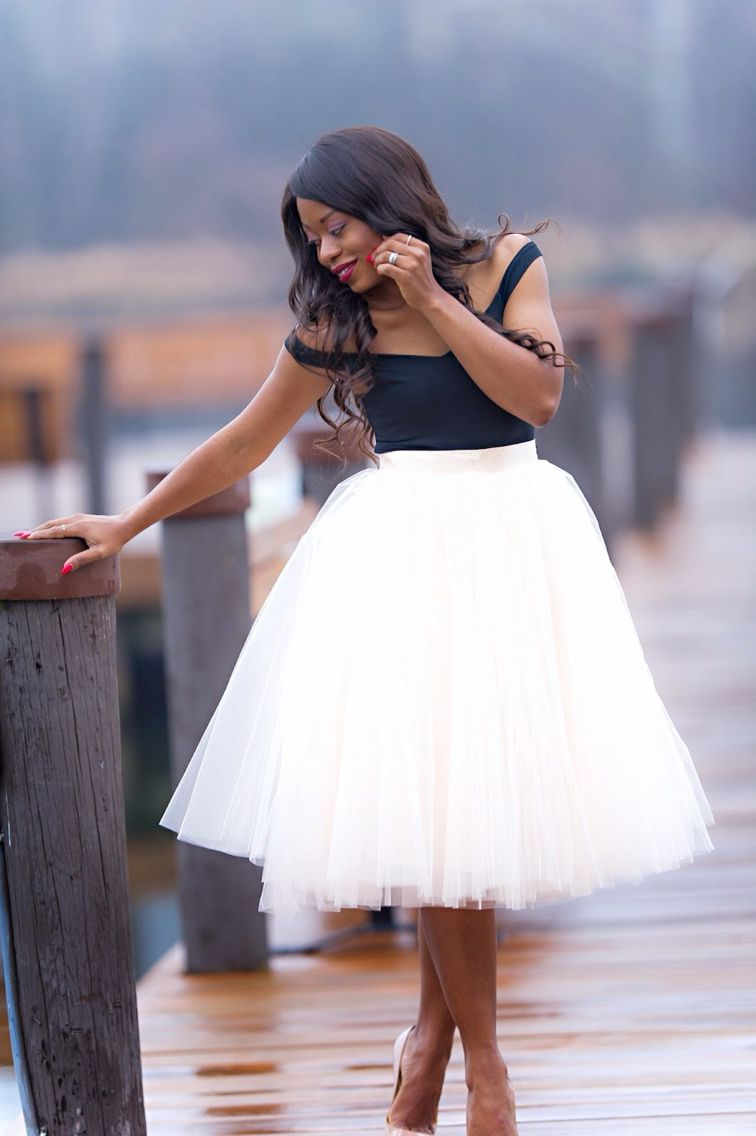 Space 46 Blush Midi Tulle Skirt Pier Photoshoot Classy Ladylike Outfit Tulle Skirts Outfit Pleated Tulle Skirt Blush Tulle Skirt [ 1136 x 756 Pixel ]