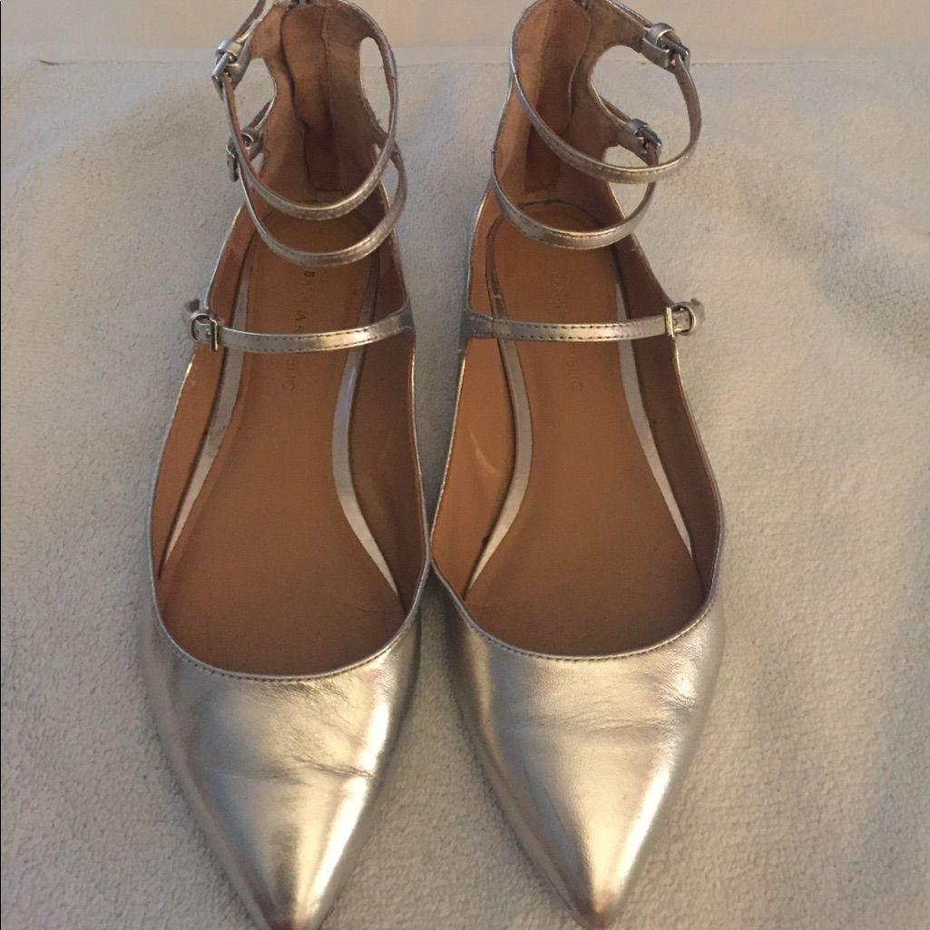 08abd96ee6e Banana Republic Shoes | Banana Republic Silver Flats In Size 6 ...