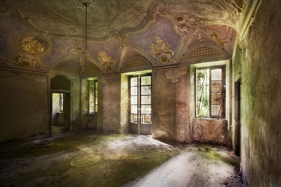 legends by Sven Fennema on 500px --- Building and Location, not stated.