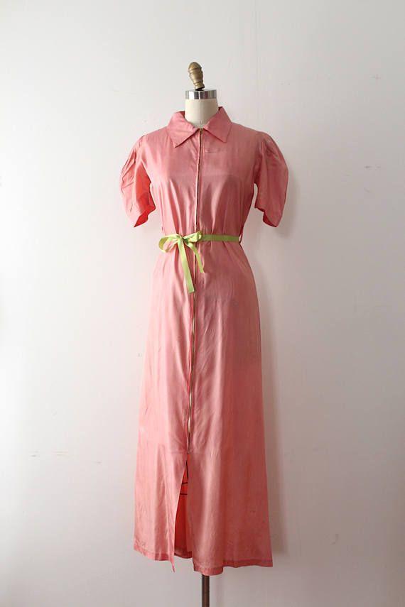 Vintage 1930s dress // 30s coral zip up dressing gown | Pinterest ...